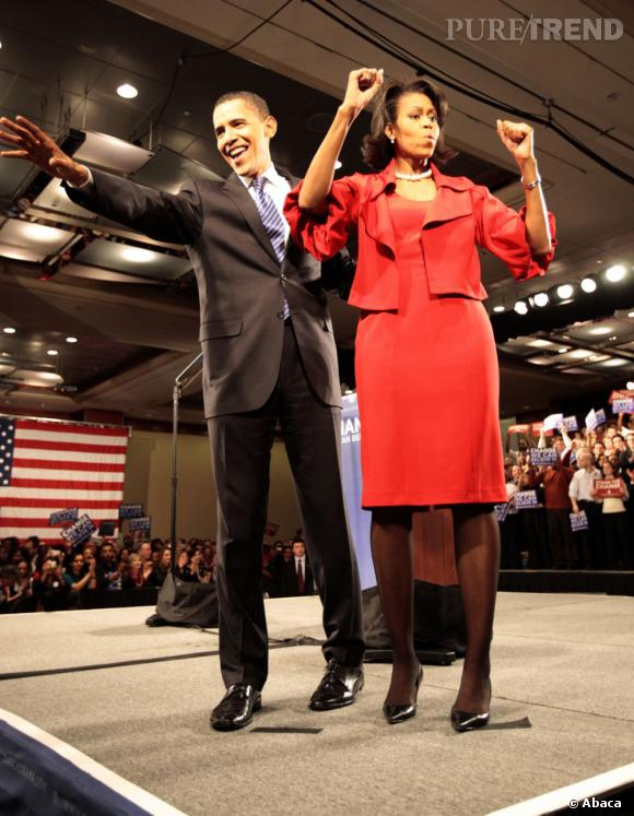 Michelle Obama en 2008 : juste avant les présidentielles elle prouve que le tailleur rouge lui va à la perfection.