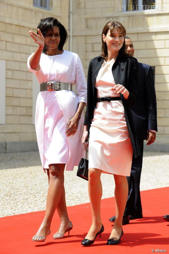 Michelle Obama, virginale aux côtés de Carla Bruni.