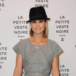 Laeticia Hallyday mise sur le chapeau, accessoire fashion.