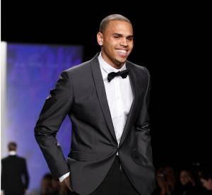 Chris Brown signe avec une agence de mannequin
