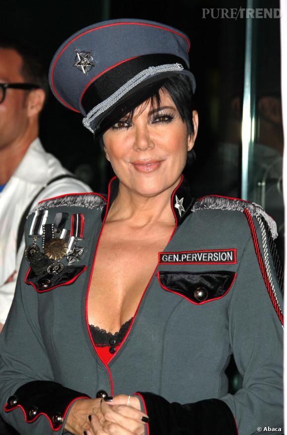 La première gueule de bois... de Kris Jenner : Alors qu'elle avait tout juste l'âge légal pour boire, la mère des soeurs Kardashian aurait trop abusé de la Sambuca.