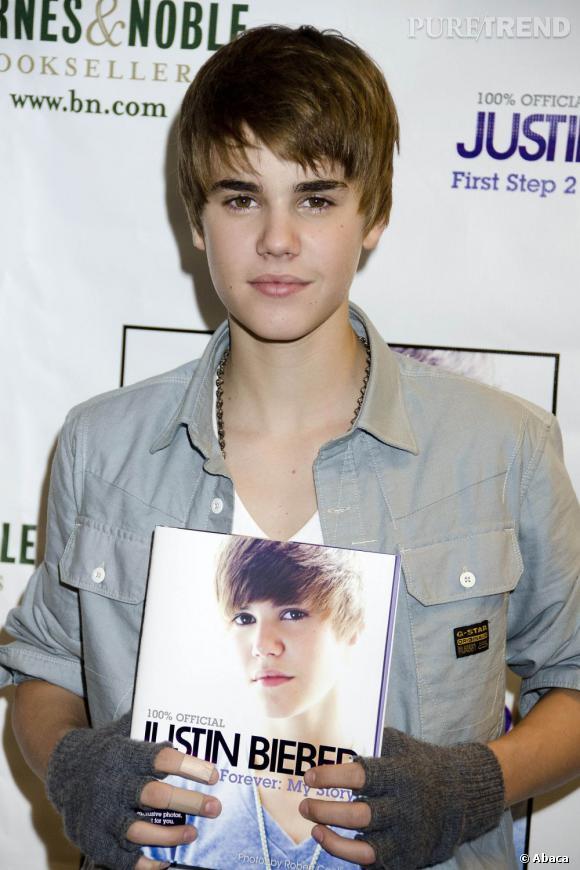En 2010 :  Bieber ose les mitaines avec la chemise à manches courtes, on dit non mais on lui pardonne vu son âge.