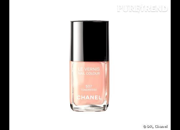 Vernis, Tendresse, Collection Maquillage Croisière 2012 de Chanel, 22 €.