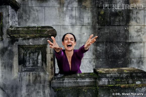 Le photographe Steve McCurry présente l'édition 2013 du calendrier Pirelli. Ici, l'actrice brésilienne Sonia Braga.