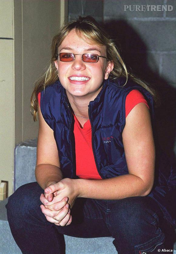 Le flop 1ere apparition :  Britney Spears, l'adolescente boutonneuse dans toute sa splendeur.