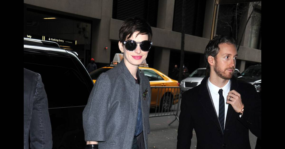 anne hathaway working girl terriblement sexy a new york a shopper puretrend. Black Bedroom Furniture Sets. Home Design Ideas