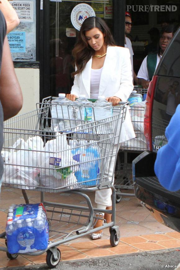 Oh mon dieu ?! Kim Kardashian fait les courses ?!