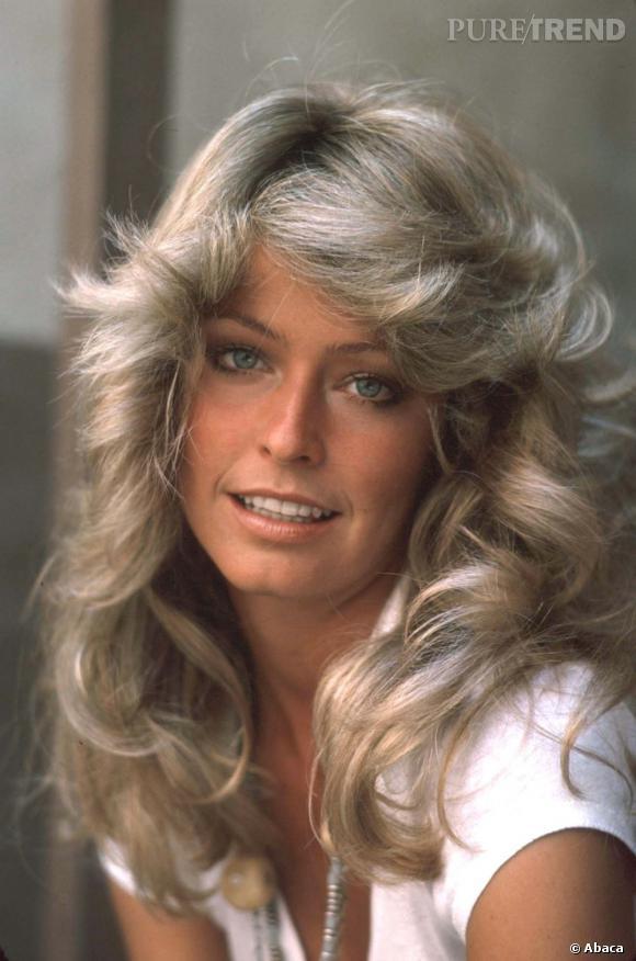 La coiffure culte : Le brushing 70's de la dôle de dame Farrah Fawcett, tout en mouvement.