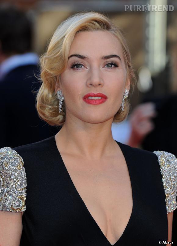 Kate Winslet arbore presque le même en 2012, pour une allure très distinguée sur le tapis rouge.