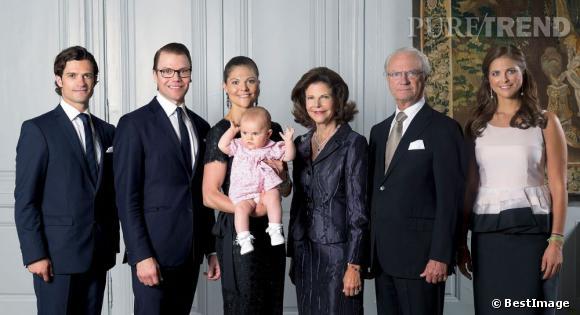 La Princesse Victoria et la famille royale de Suède transmettent leurs meilleurs voeux à leurs sujets.