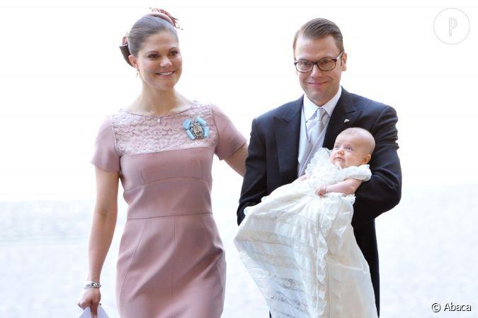 la princesse victoria de su de fait baptiser sa fille estelle stockholm. Black Bedroom Furniture Sets. Home Design Ideas