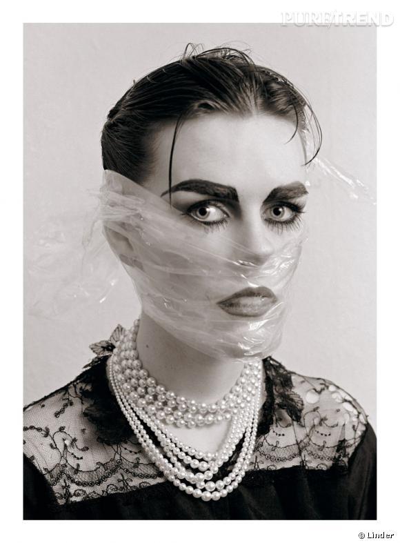 """""""Hiding but still not knowing"""", 1981-2010. Impression numérique du négatif original sur papier photographique."""