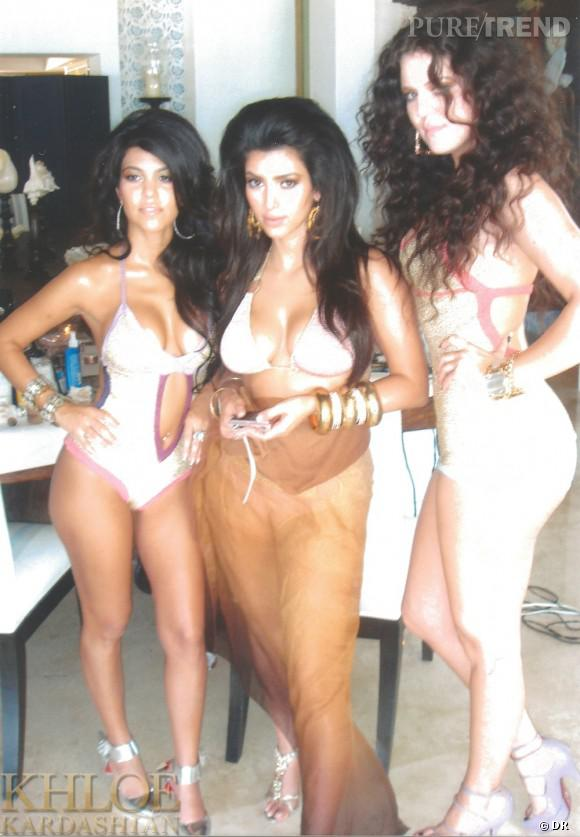 Kourtney, Kim et Khloe Kardashian posent en bikini sexy pour une séance photo qui date de 5 ans.