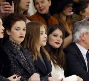 Laetitia Casta en front row aux côtés de Chloë Moretz.