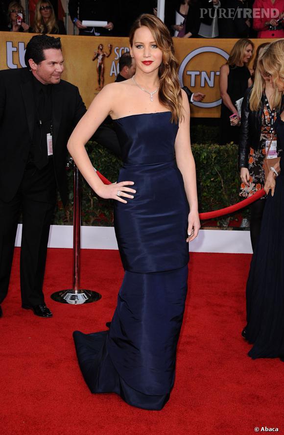 Jennifer Lawrence aux SAG Awards 2013 porte une robe Christian Dior Printemps-Été 2013.