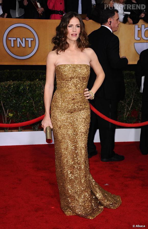 Jennifer Garner aux SAG Awards 2013 porte une robe Oscar de la Renta.