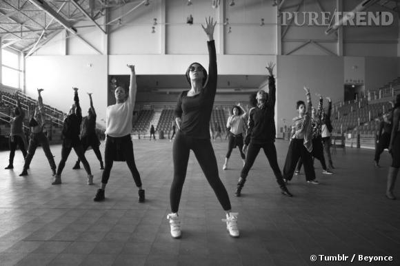 Beyoncé et ses danseurs, une véritable machine de guerre.
