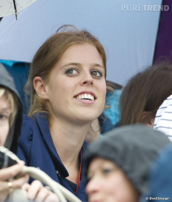 Princesse Beatrice d'York aux JO de Londres 2012, venue soutenir Zara Phillips.