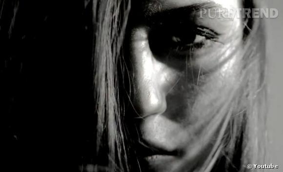 McQ présente sa collection Automne-Hiver 2013/2014 McQ via une vidéo.