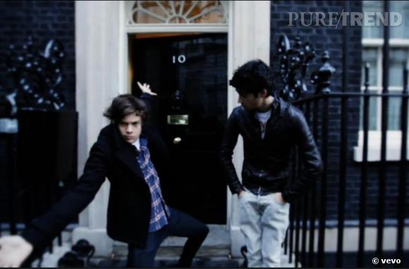 Le clip suit les garçons aux quatre coins du monde, même au 10 Downing Street, la demeure du Premier ministre britannique.