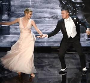 Charlize Theron : heroique, elle sauve un vigile avant de danser aux Oscars