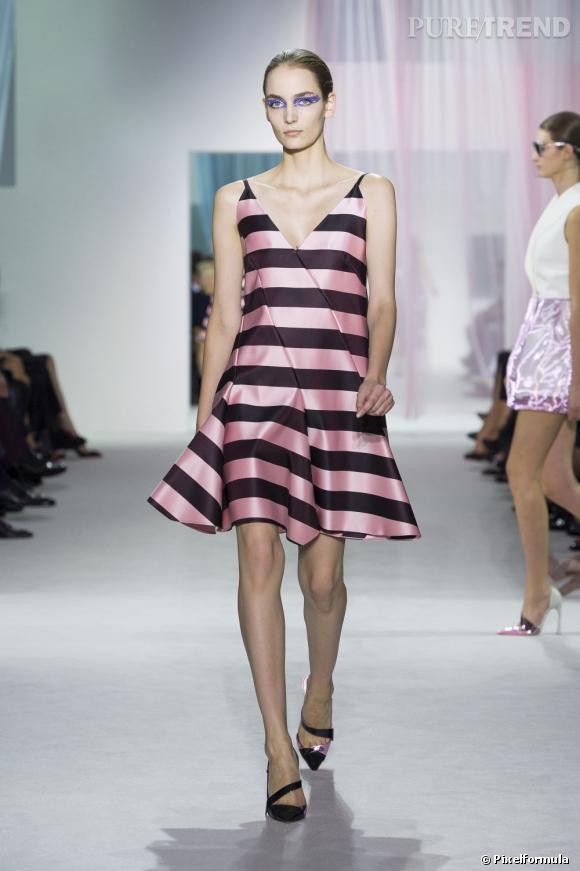 Vue sur les podiums : la tendance rayures      Christian Dior, défilé Printemps-Eté 2013