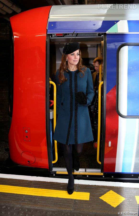 Kate Middleton à Baker Street pour les 150 ans du métro londonien.