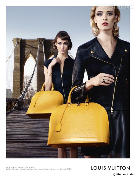 """Campagne """"Chic on the bridge"""" de Louis Vuitton avec Karlie Kloss, Daria Strokous, Jac Jagaciak et Iris Strubegger."""