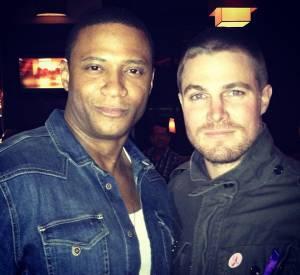 """Stephen Amell annonce la fin du tournage de la première saison de """"Arrow""""."""
