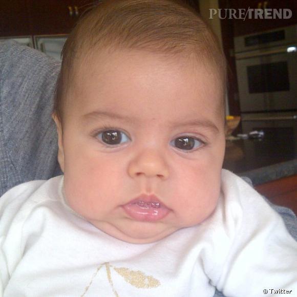 Shakira ne voulait pas être le genre de mère à poster sans cesse des photos  de 493f432919b