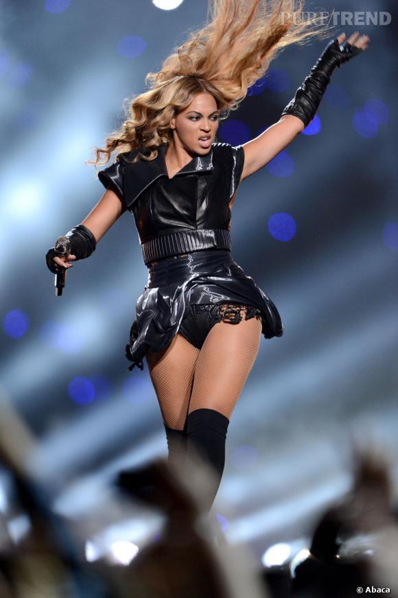 Pendant l'effort, Beyoncé fait une tête étrange... Elle n'y peut rien, par contre elle peut empêcher les médias de les diffuser.