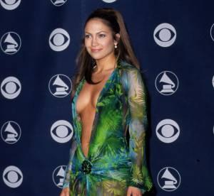 Jennifer Lopez, la robe transparente et decolletee : 2000 vs 2013