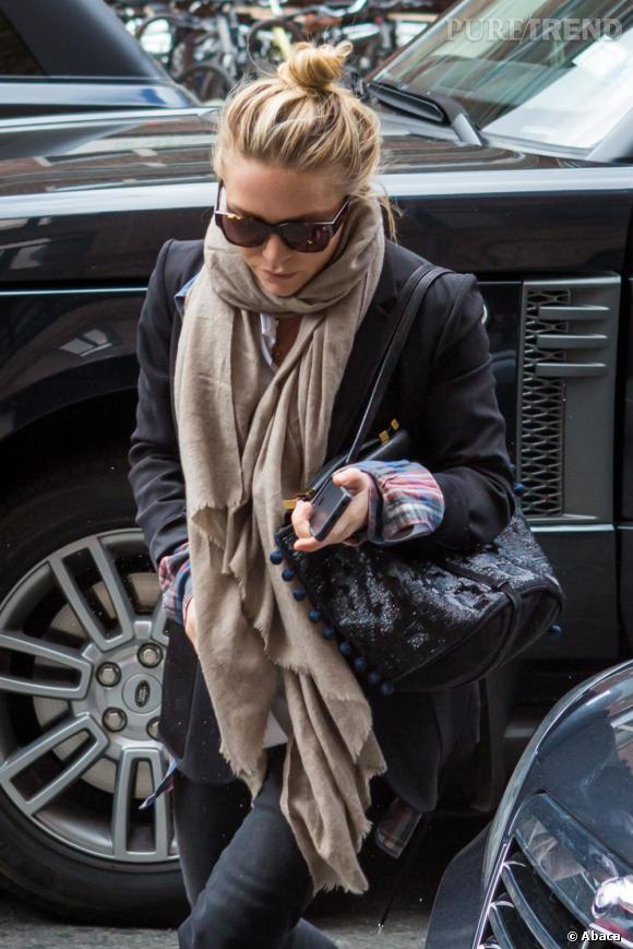 La tendance maxi  foulard  adoptée par les stars : jumelle Olsen