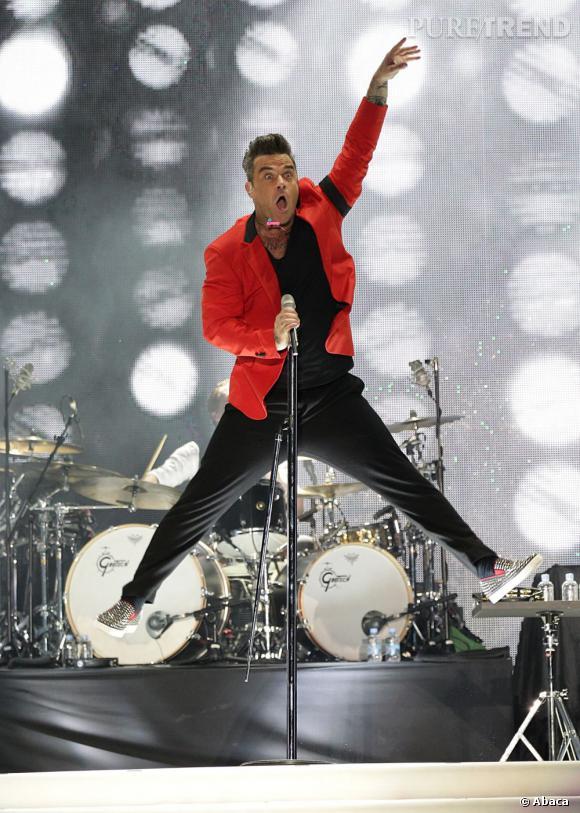 Robbie Williams très en forme au Summertime Ball de Capital FM à Londres le 9 juin.