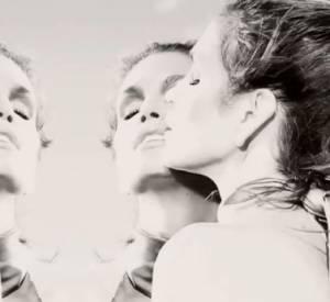 Cindy Crawford dans une vidéo de Junietsy De Marcos, sur le shooting photo pour le magazine MUSE.