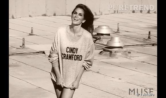 Cindy Crawford en plein shooting photo pour le magazine MUSE.