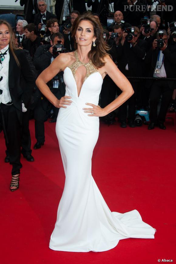 """Cindy Crawford, toujours aussi belle et svelte lors de la première de """"Gatsby le Magnifique"""" au Festival de Cannes."""