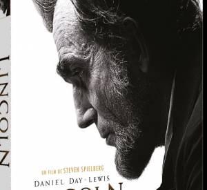 """Le DVD : """"Lincoln"""". Pourquoi lui ? Parce que ce film signé Steven Spielberg est déjà culte. Daniel Day-Lewis a remporté tous les prix, dont l'Oscar du meilleur acteur, une bonne excuse pour le voir ou le revoir. Un film passionnant à la photographie à couper le souffle... On privilégie donc une version Blu-Ray si c'est possible. Le prix : 19.99 € ou 24.99 €le Blu Ray."""