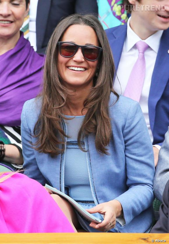 Pippa Middleton porte une veste Sandro, modèle Vivienne.