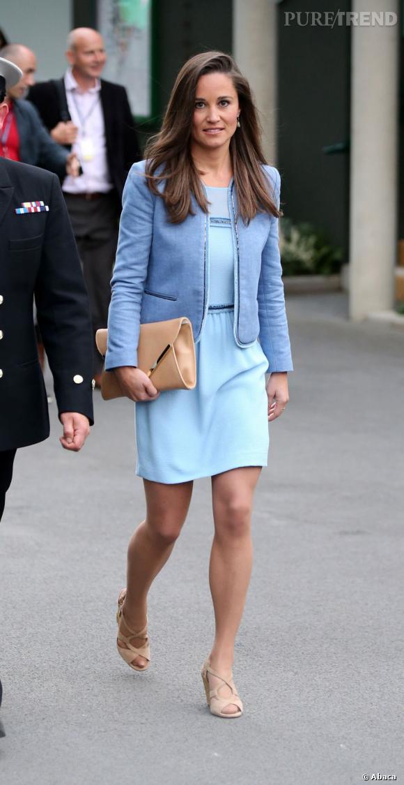 Pippa Middleton porte une robe Sandro, modèle Rapprochement.