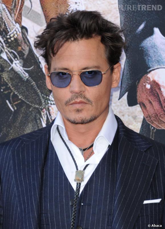 Le même en 2013. A part les lunettes et sa peau hâlée, peu de choses ont changé chez Johnny Depp.