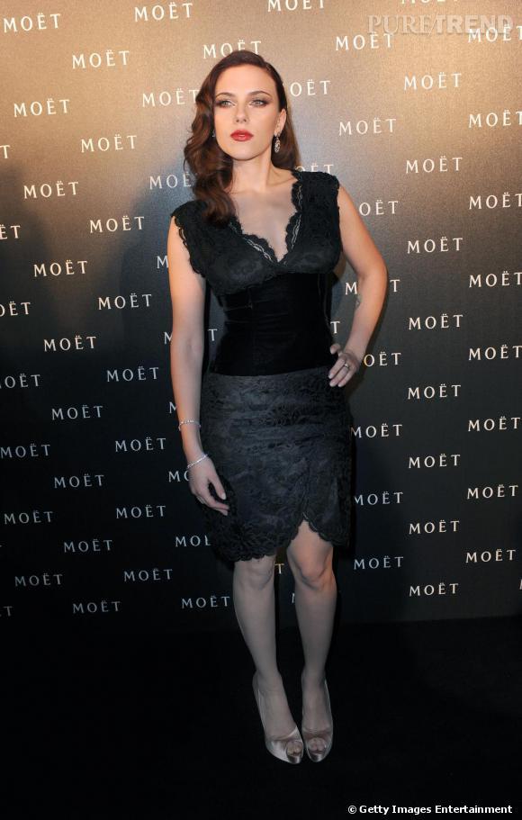 Scarlett Johansson : la dentelle est l'un des codes de la séduction qu'elle maitrise le mieux...