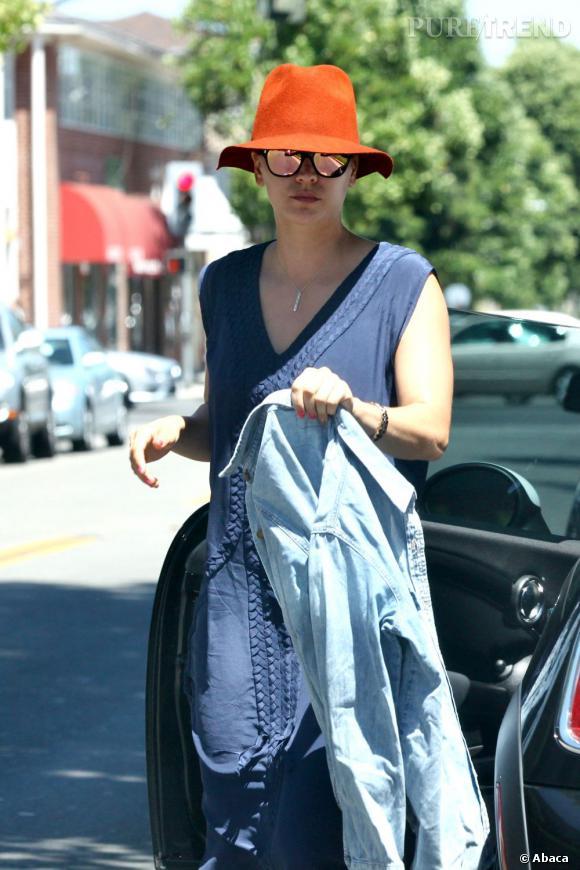Kaley Cuoco, flop mode dans les rues de Los Angeles pour la nouvelle célibataire.