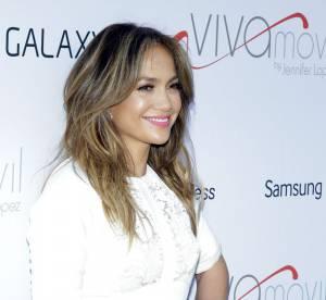 Jennifer Lopez, lumineuse et virginale a 44 ans