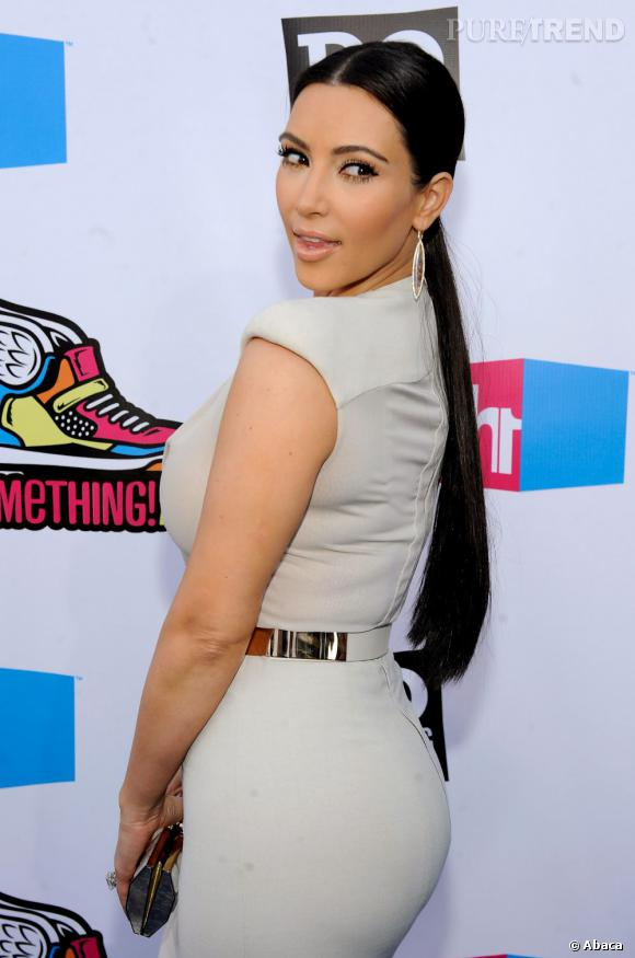 Le popotin rebondi de Kim Kardashian : naturel ou fake ?