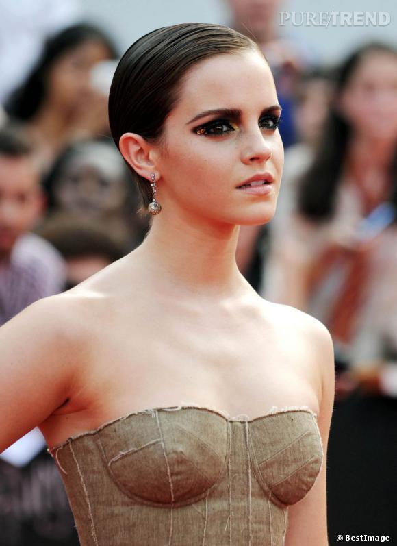 Emma Watson et sa coupe courte wet look - Puretrend