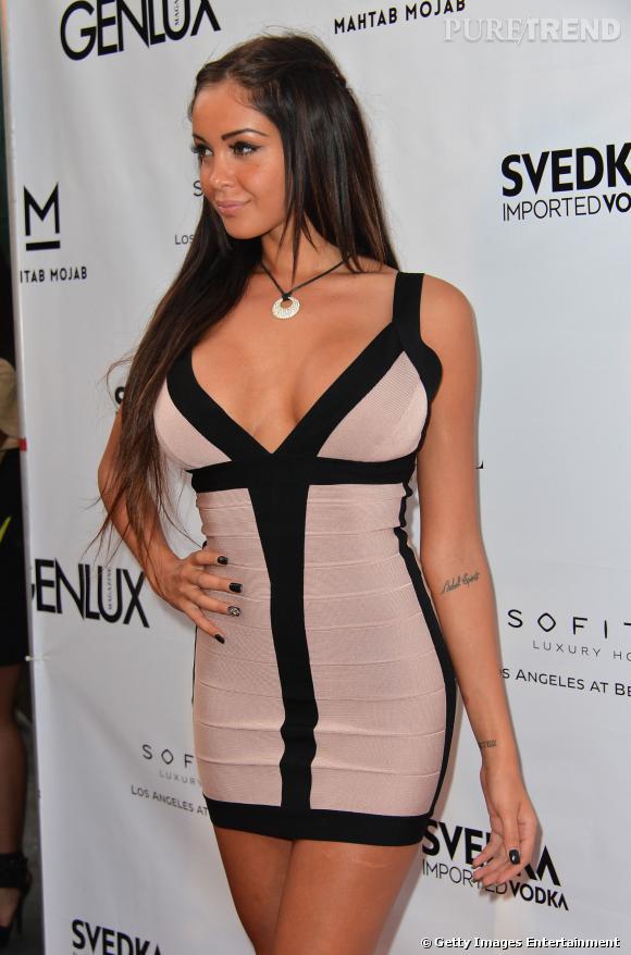 Nabilla lors de la soirée de lancement du nouveau numéro de Genlux à Los Angeles.