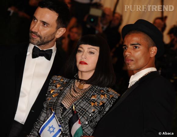 Riccardo Tisci, Madonna et Brahim Zaibat au Met Ball 2013.