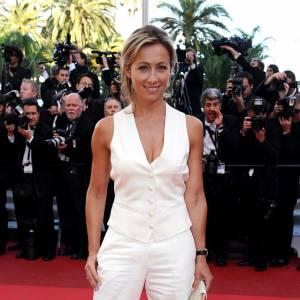 Anne-Sophie Lapix a déjà fait ses preuves côté tapis rouge à Cannes, elle est prête pour assurer la promotion de son premier long-métrage.