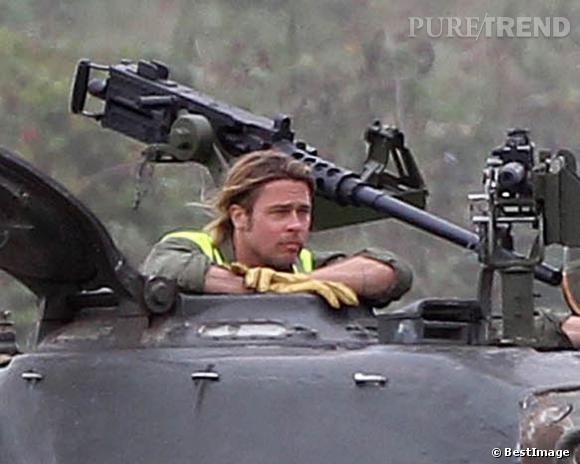 Brad Pitt a délaissé ses cheveux longs.